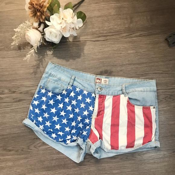 lei Pants - L.E.I. Vintage American flag shorts 🇺🇸